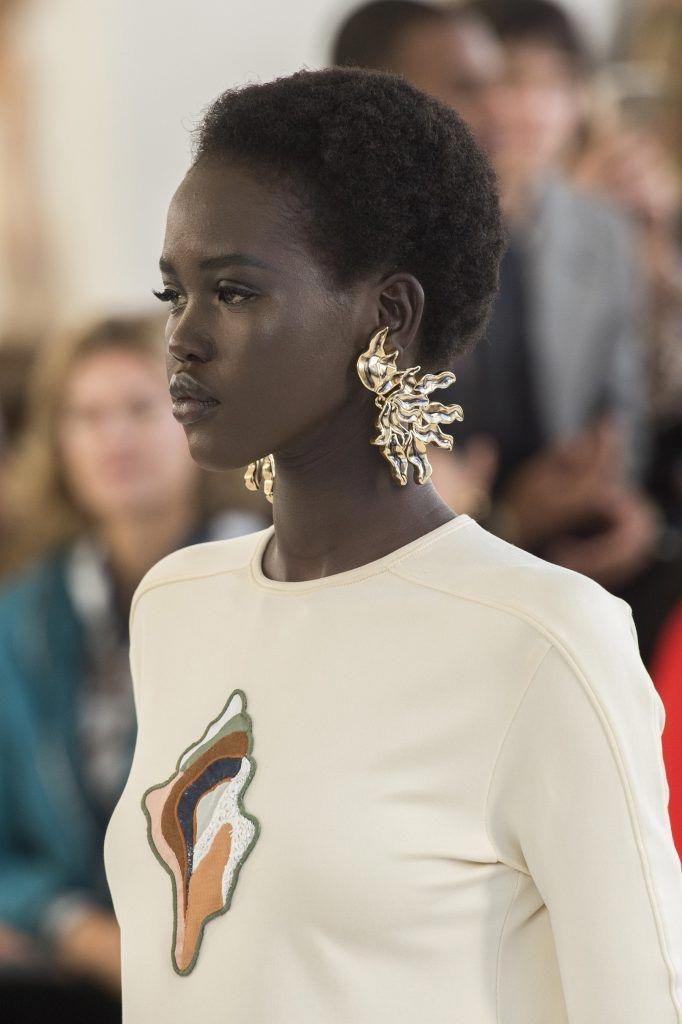 The earrings!