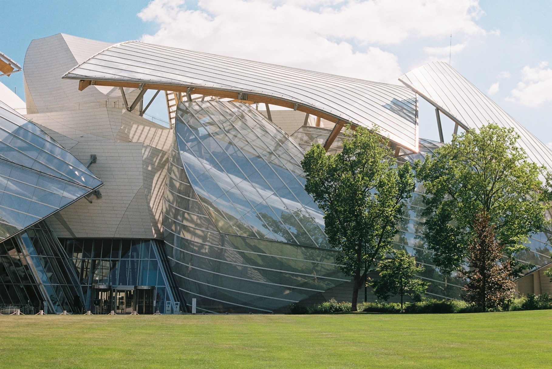 """""""Behind"""" the Louis Vuitton Foundation."""