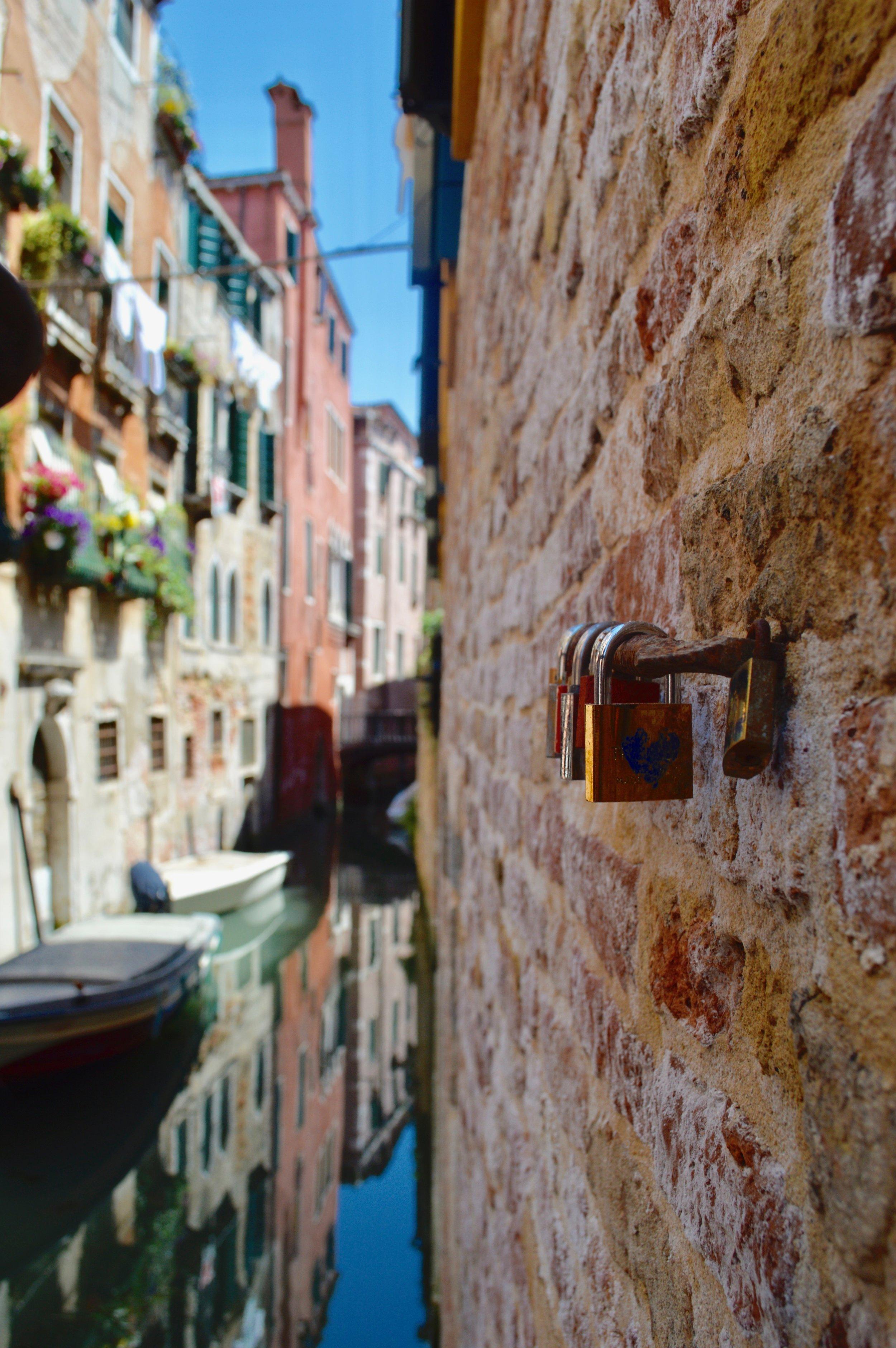 Venice_love-lock.jpg