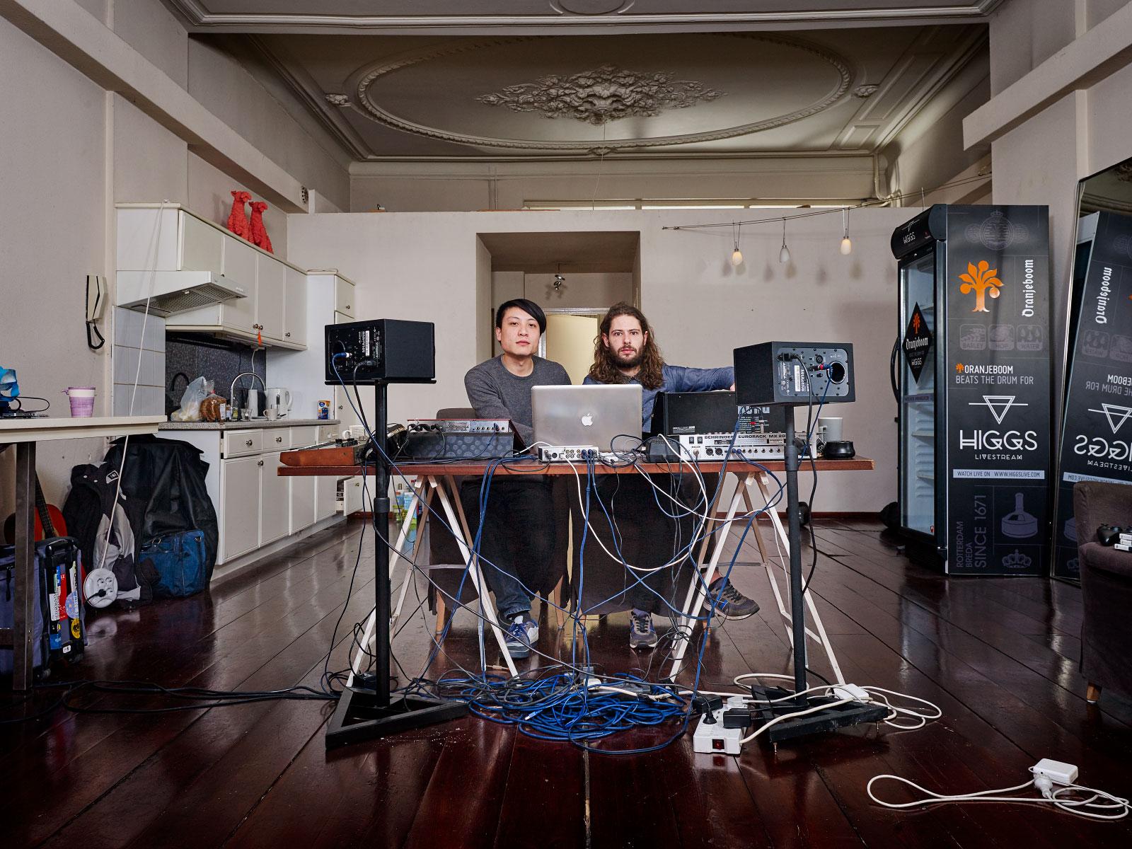 Omega Zen - Kajan Chow & Ronnie van Craenenbroeck.