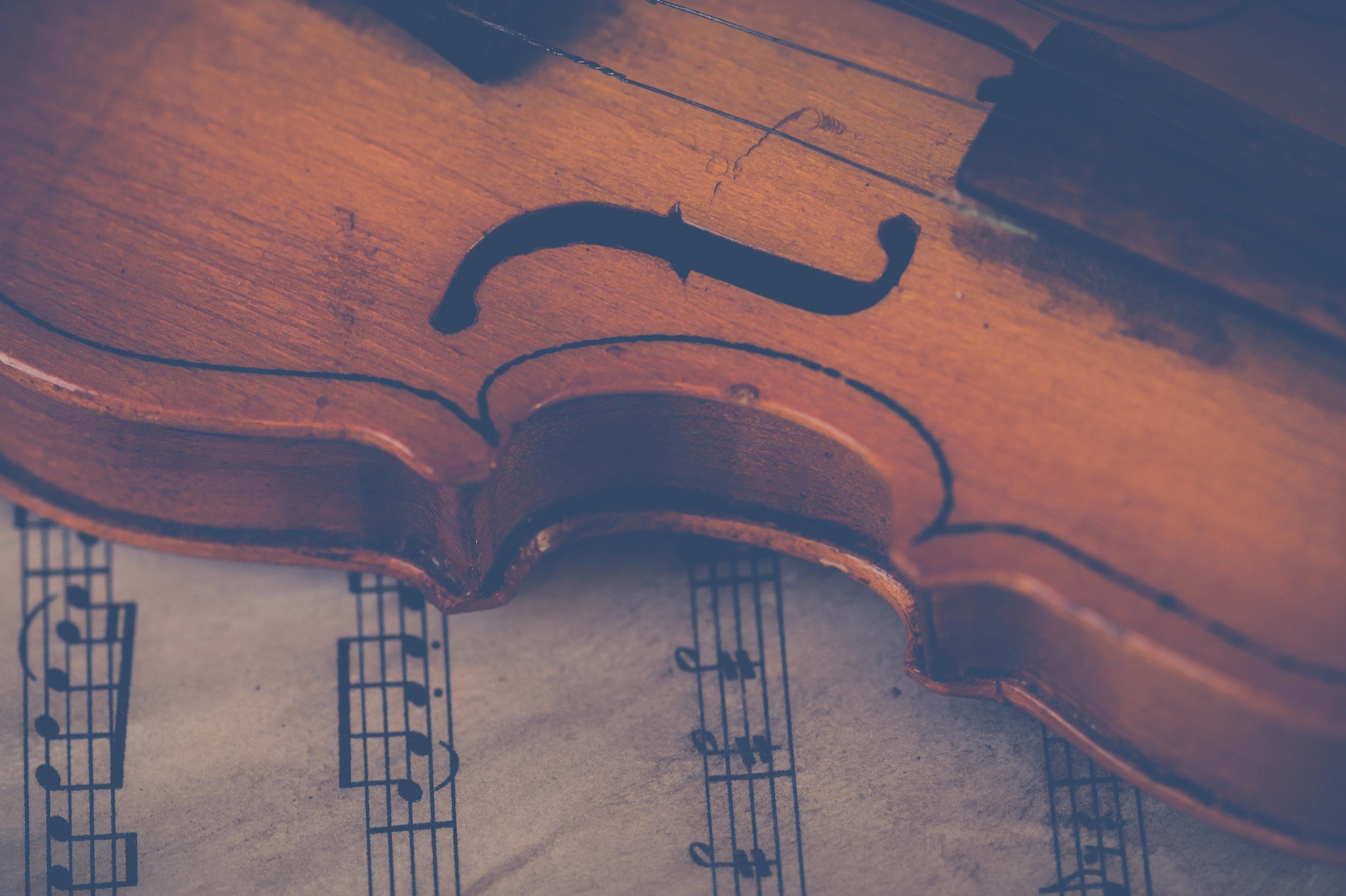 violin-sheet-music-pexels-photo-697672.jpeg