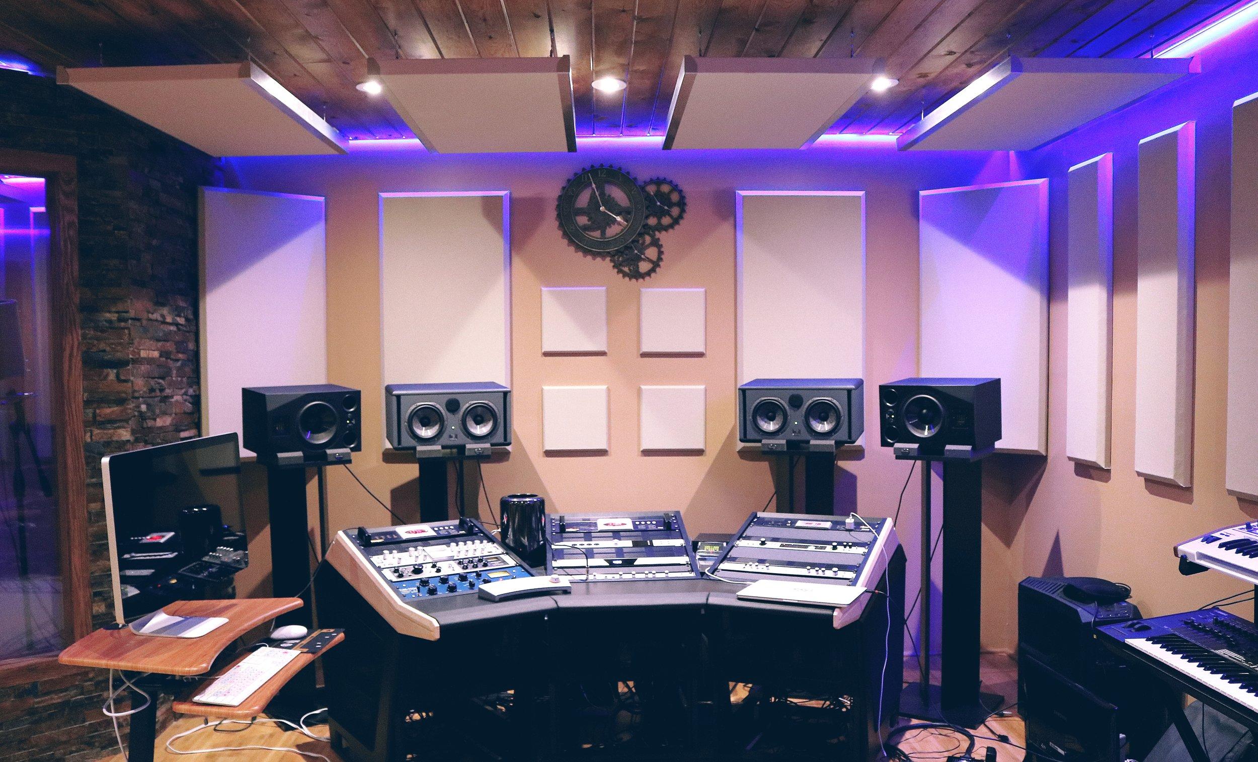 recording-studio-pexels-photo-164938.jpeg