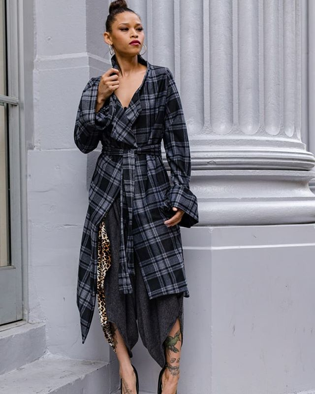 ☔With as much rain and chill as we've had in LA this past week, you may need to snag an 'Ebube' ( Wonderland) coat..and.  rock it your way💕💕💕☔ . . 📷: @sartorial.losangeles Models: @hopeisesperanza / @queen.ndi . . . #dress #edgy #LA #black #faux #leather #art #coats #Thursday #collections #woolen #stripes #fashiondesigner #olive #werk #details #trench #rainydays #photos #artists #inspired #manifest #universe #pose #ootd #style #influencer #entertainment #fashion #dtla