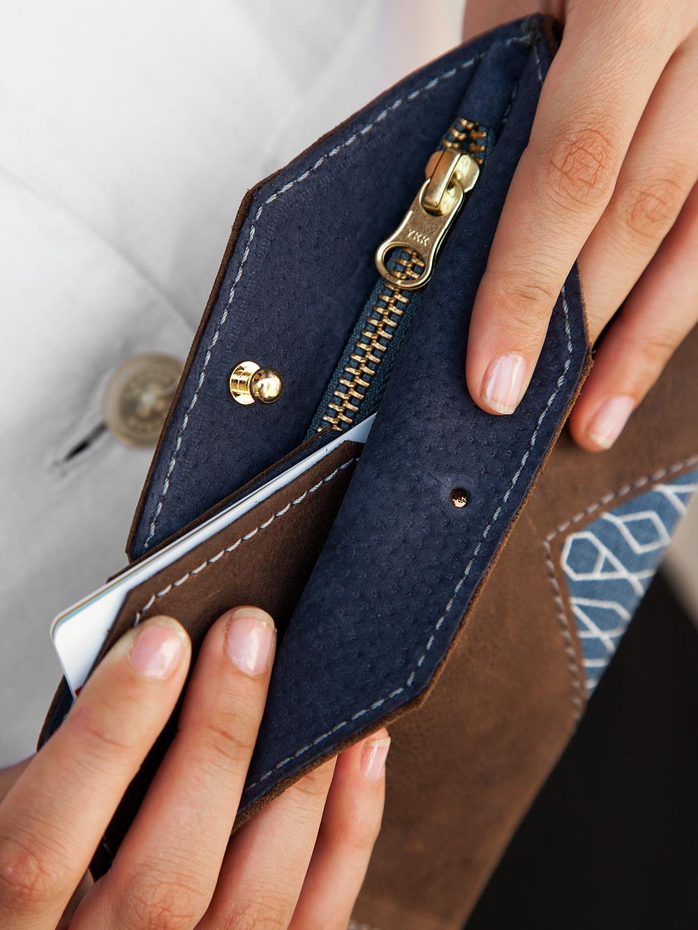 Alex-WAYAWAYA-Wallet-Brown-Blue-03.jpg
