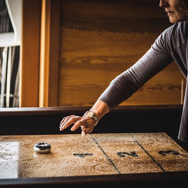 Brookswood's shuffleboard table allows for friendly competition after a day of big ideas. . . . . . #brookswood #lodge #pacificnorthwest #pnw #corporateretreat #greatideashappenhere #inspiration