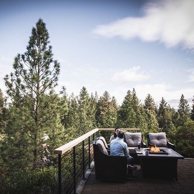 Give your ideas room to breathe. . . . . . #brookswood #lodge #pacificnorthwest #pnw #corporateretreat #greatideashappenhere #inspiration