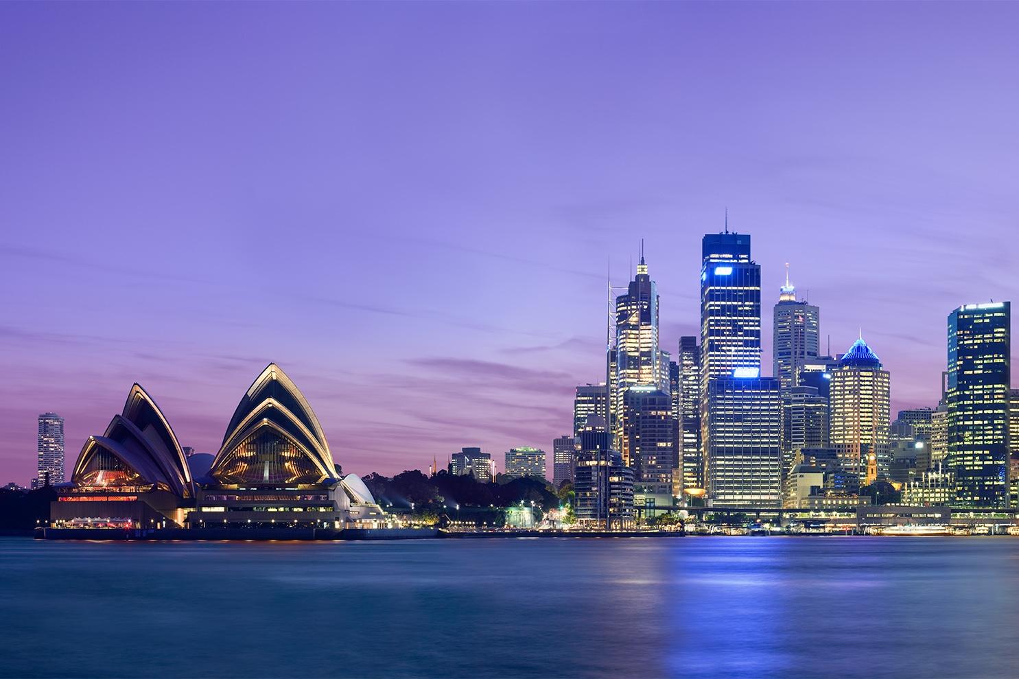 Sydney_skyline_at_dusk_-_Dec_2008 (1).jpg