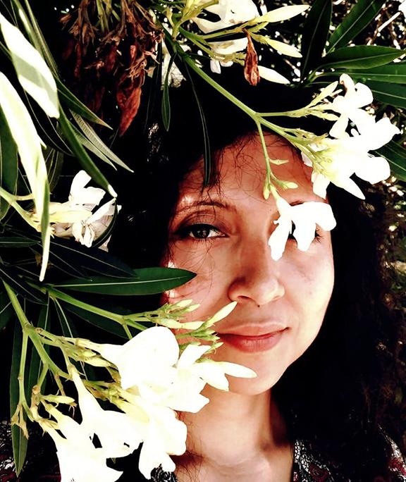 Con flores…