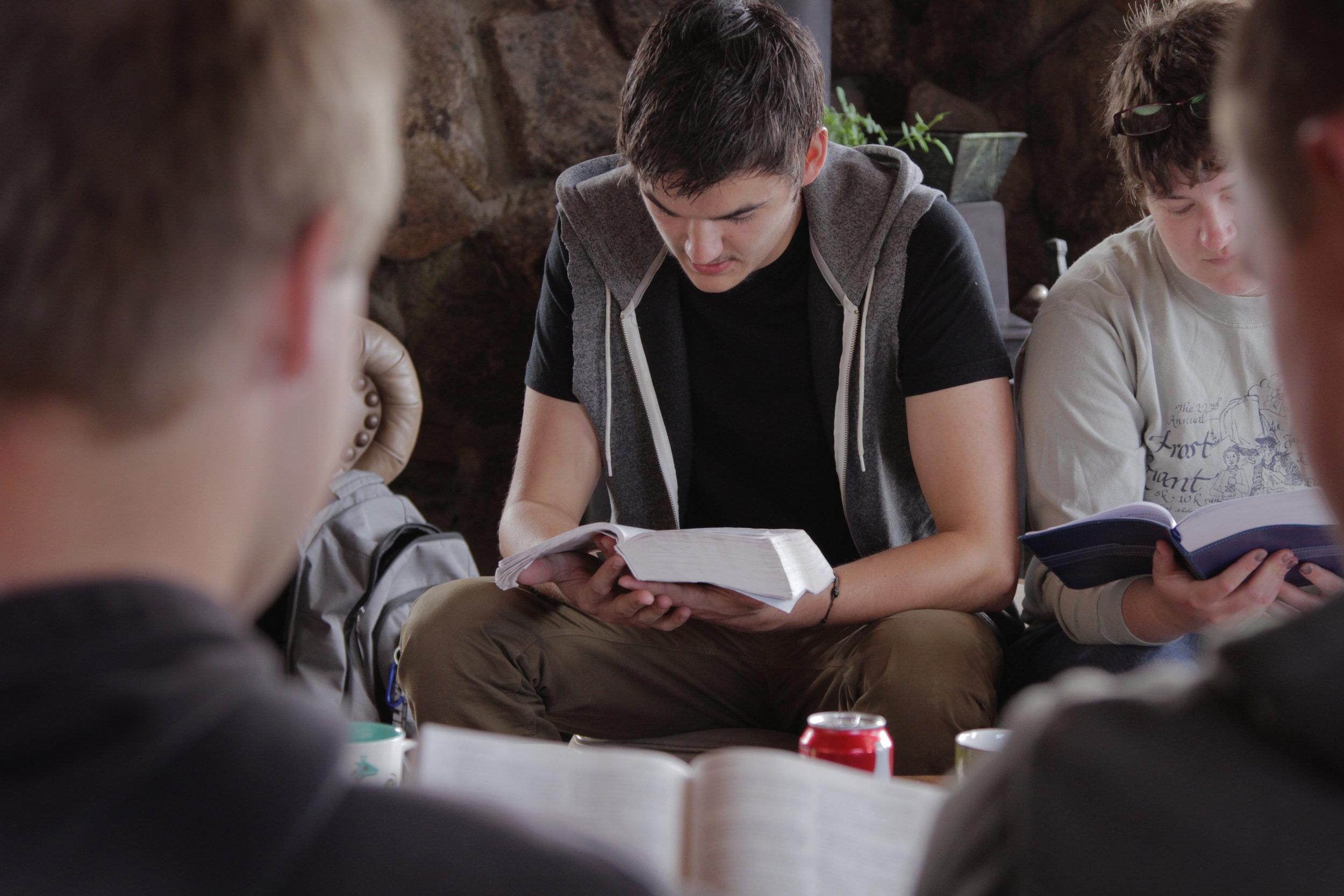 lightstock_227139_teens reading Bible.jpg