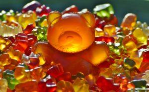 giant-rubber-bear-gummibar-gummibarchen-fruit-gums-300x185.jpg