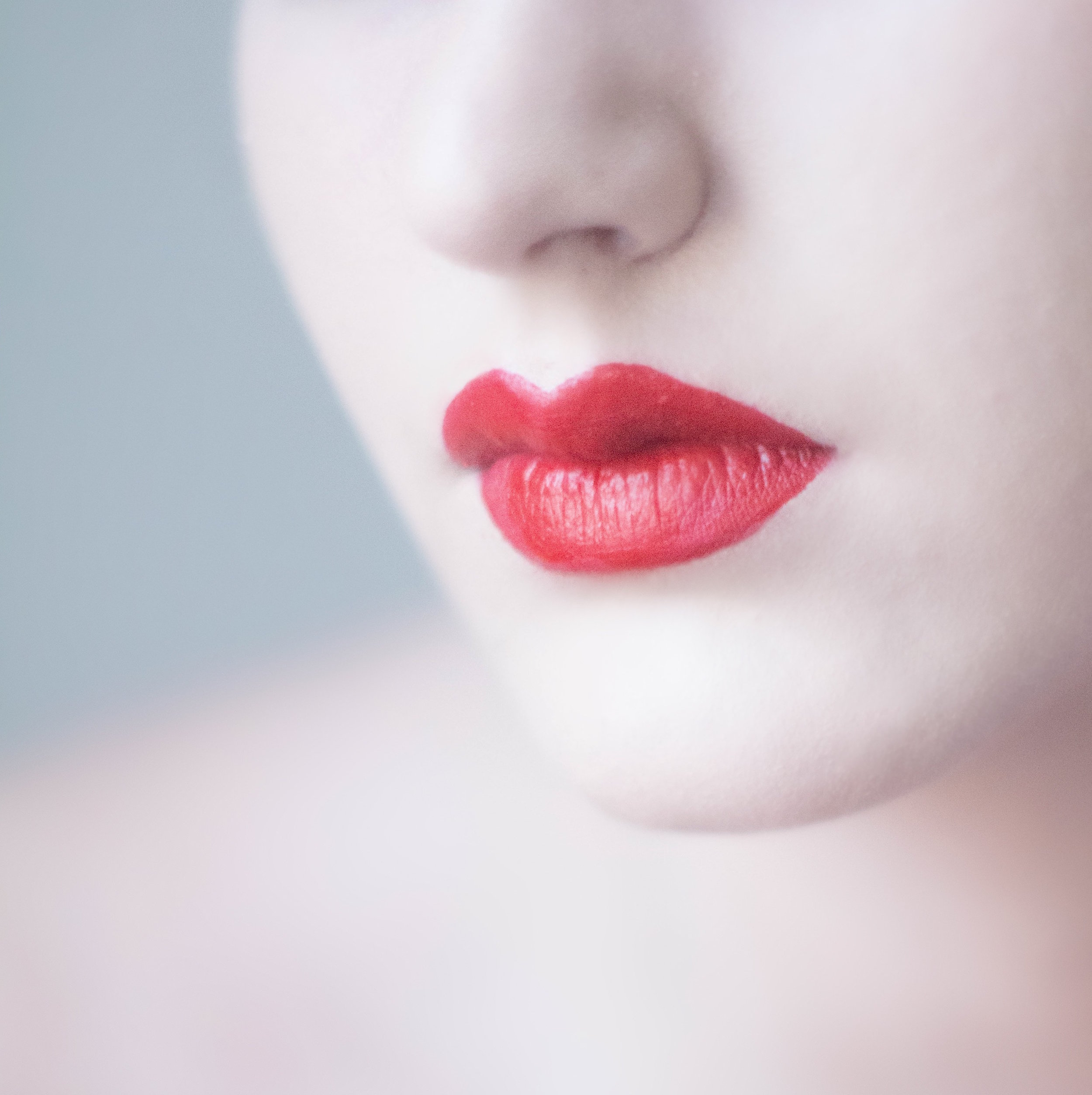 DIY essential oil lip scrub and exfoliator