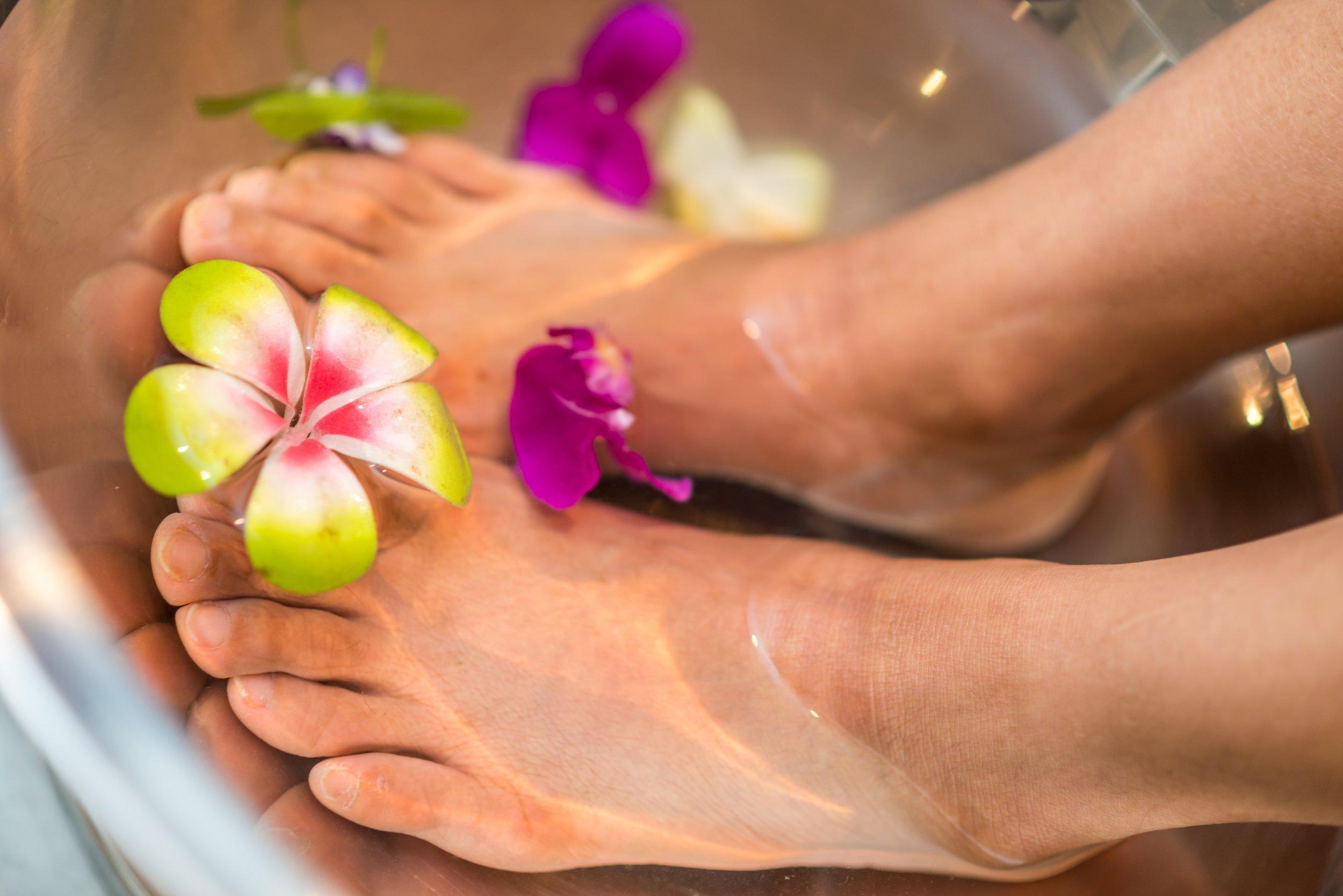 essential oil foot soak for dry cracked heels