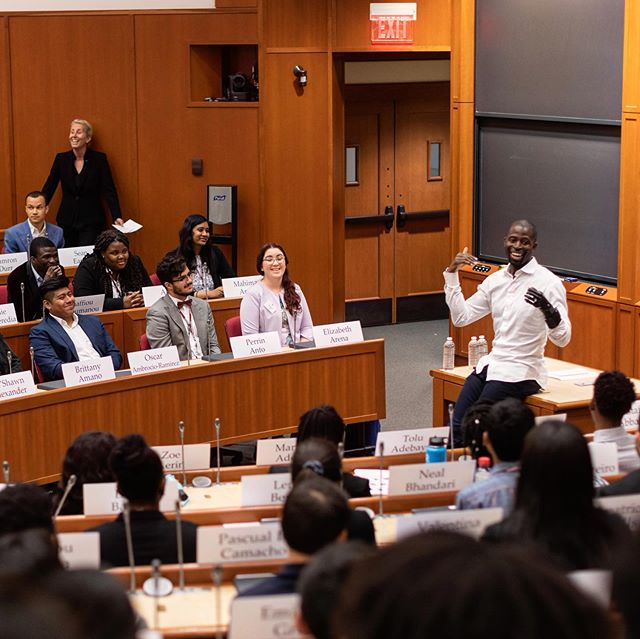 All smiles speaking to @anitaelberse's @harvardhbs class. You won't find a better person or professor. The GOAT!!! #lifeathbs #hbs #harvardbusinessschool