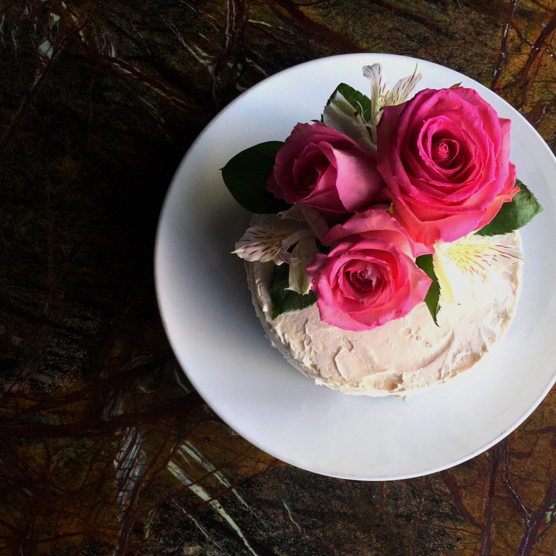 SOM_Cake_PinkRoses.jpg