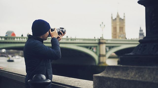 •Photo Escapes• @photo.escapes (link in Bio)  New episode in London out now! In this episode we are on a quest to create the perfect photography day out in London. We start by photographing the famous Deer in Richmond Park, then head into the city for our own 'stressy street photo challenge'. This was fun!! 📷😎