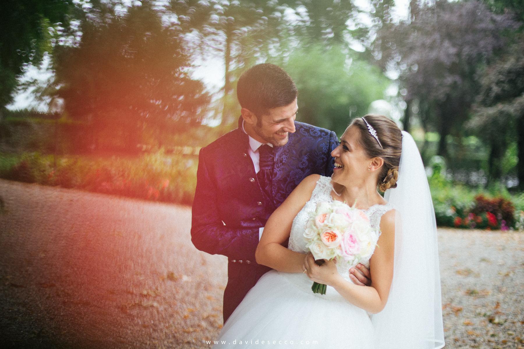 Che tu ci creda oppure no, questa foto è tratta da un matrimonio al Castello di San Gaudenzio nel quale la pioggia non ha quasi mai smesso di scendere! Roberta e Massimiliano si sono goduti in ogni caso la loro festa! Scopri leggendo l'articolo come hanno fatto!