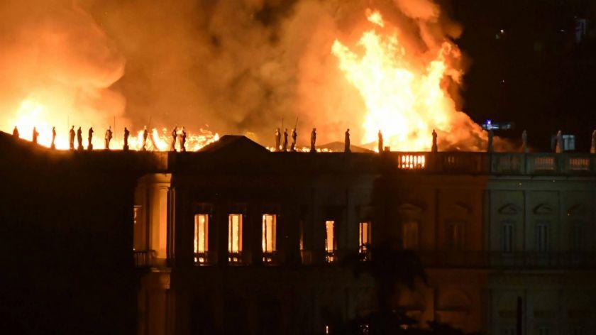 museo rio en llamas