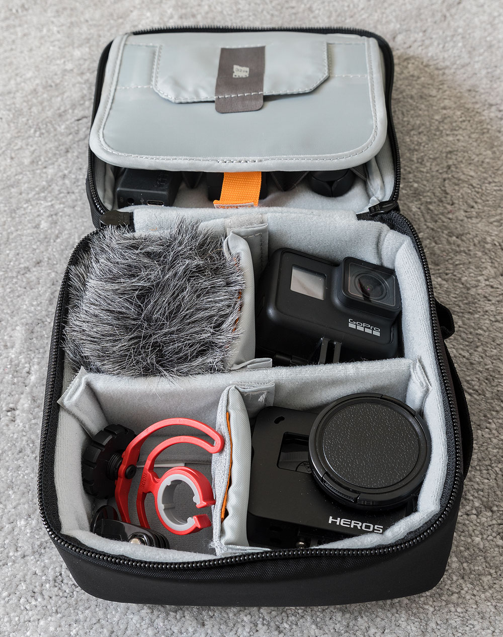 lowepro-iewpoint-CS60-2.jpg