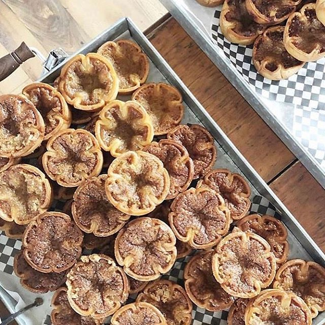 Quick get your Butter Tart fix before it's to late! @abbeysbakehouse will be OPEN till Labor Day weekend. . 📷: @nutpetten