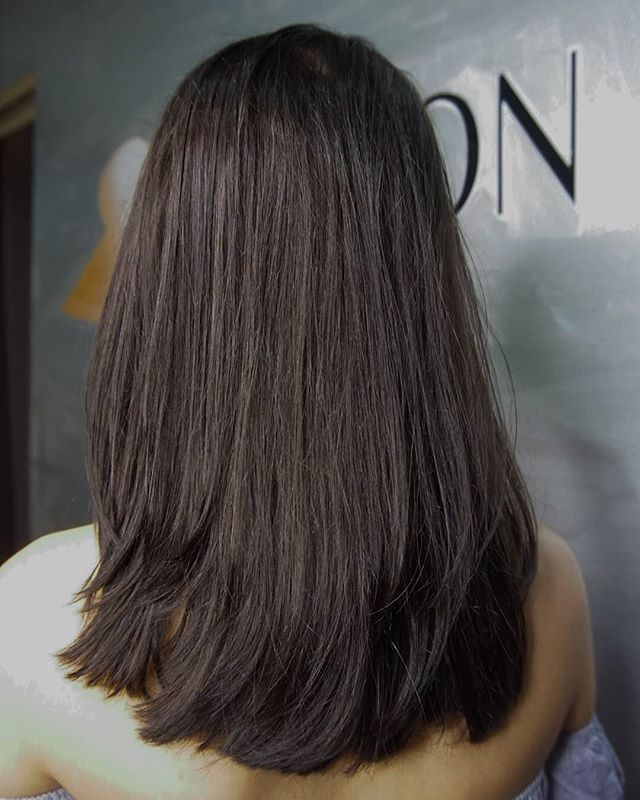 🌻Check out this beautiful cut and color by @imheidiwoo at our DC salon! Your next appointment is only a phone call or a click away🌻 • • • #brunette #brunettehair #longhair #longhairdontcare #dmvstyle #dchairsalon #behindthechair #washingtondchair #layershaircut #newhair #dcbloggers