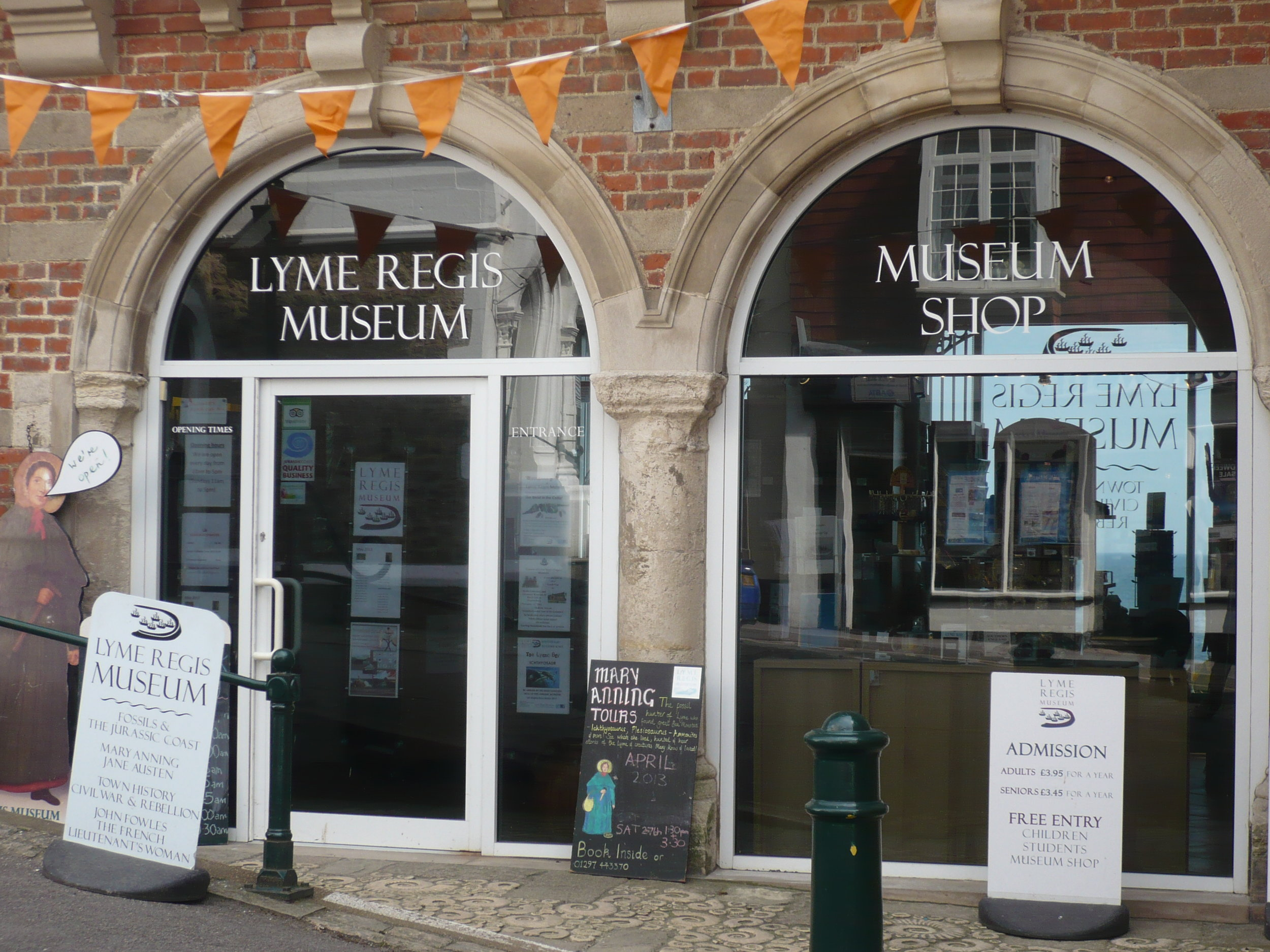Lyme Regis Museum - Built on the site of the home of Lyme's renowned fossilist Mary Anning, the museum is one of the architectural gems of the town and is packed with fascinating displays.