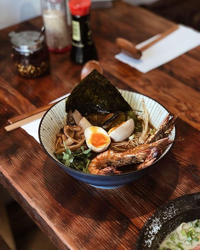 Current fav : Sinigang Ramen, seafood tamarind ramen broth topped with grilled king prawns.  Filipino 🇵🇭inspired flavours with Japanese 🇯🇵Technique 😍 #limitedstock #asim #ramen #filipino #filifooduk #kentishtown #filipinoramen #sinigang #kentishtown #camden #seafood #japanesefood #noodlesoup #halal 📸 : @chopstickpanorama a very cool page!