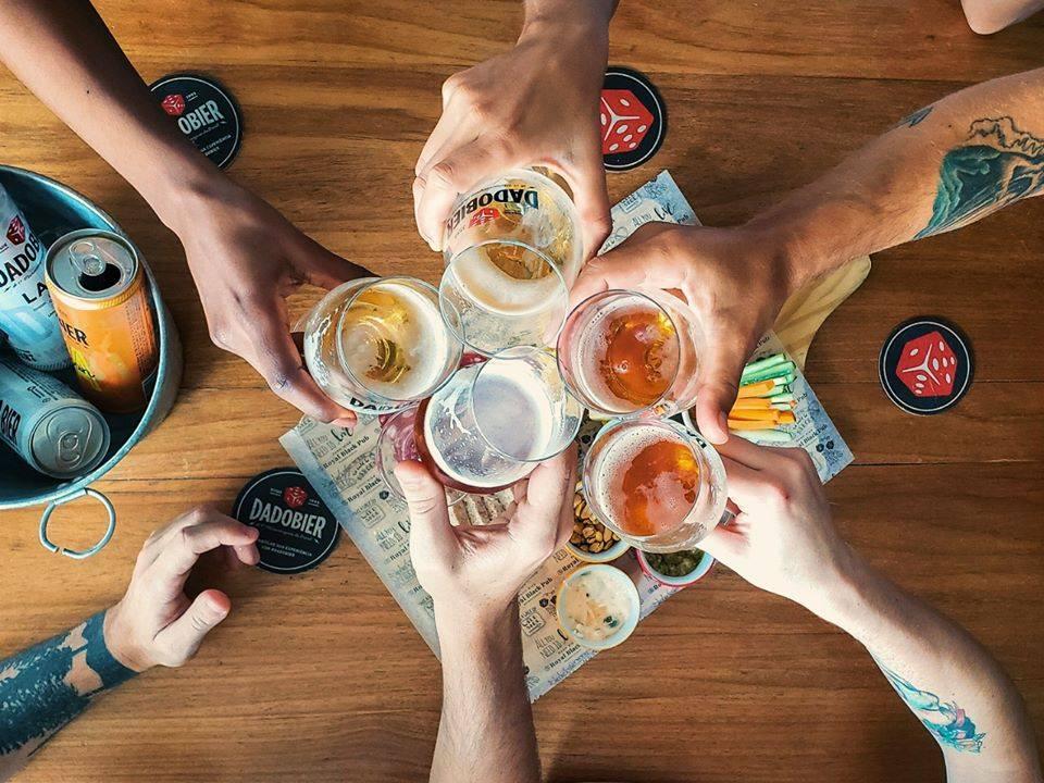 Dado bier cheers.jpg