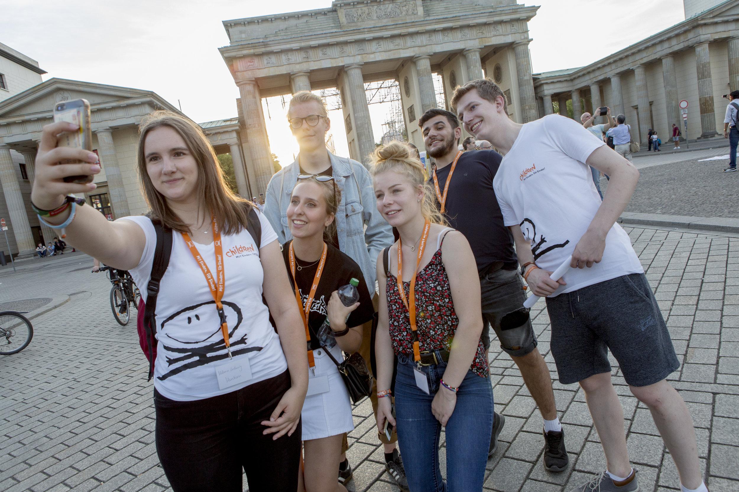 CHILDREN Jugend hilft! (soziales Engagement):  Engagierte Jugendliche in Berlin