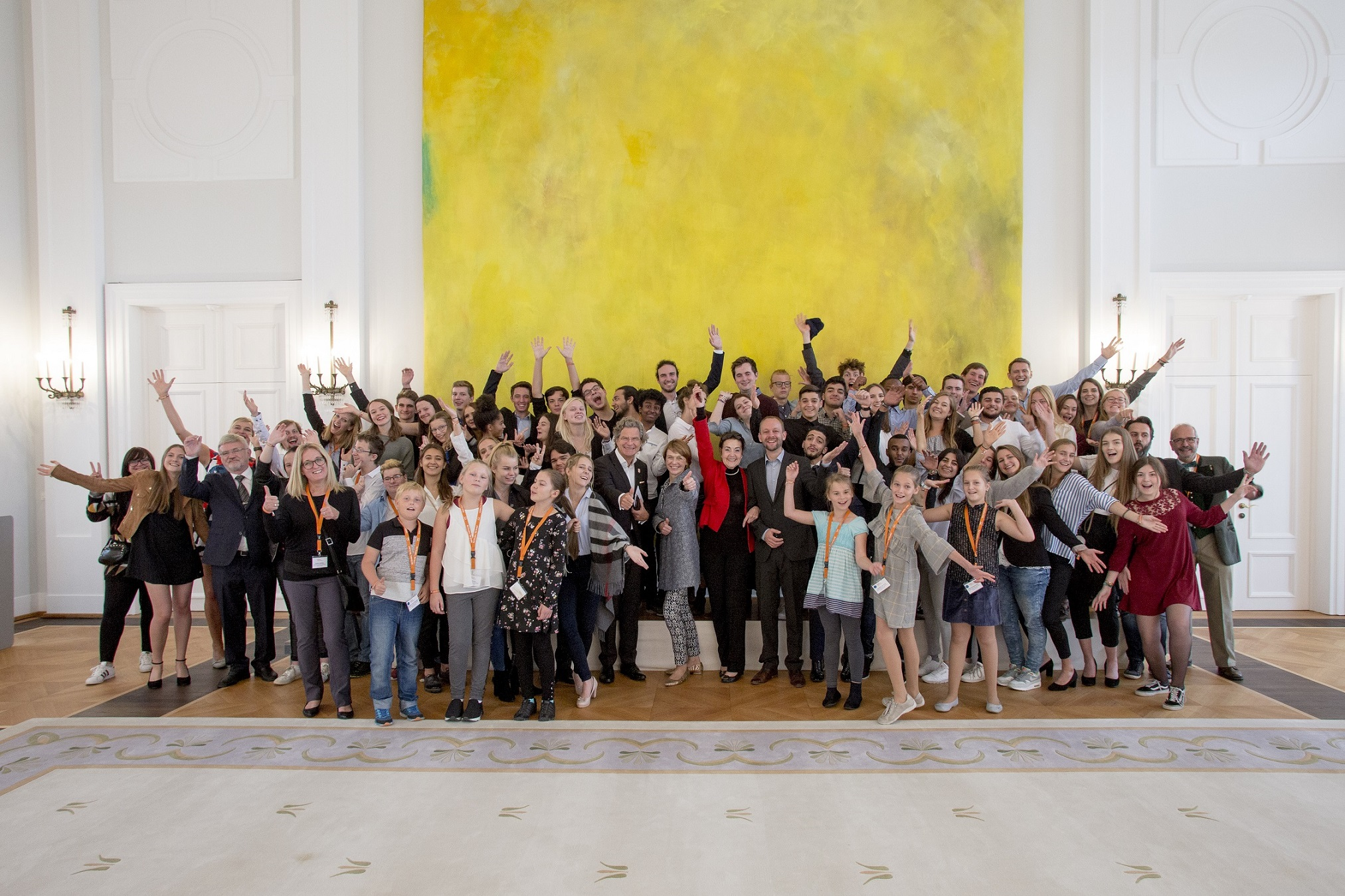 Die jungen Sieger*innen 2018 beim feierlichen Empfang in Schloss Bellevue.