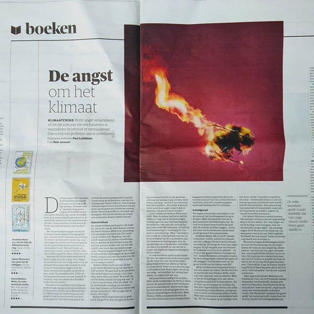 """EN-- Celebration! Half a year after of the launch, First Aid for Climate Change gets yet another review in a Dutch national newspaper, now in NRC! It holds it's ground just fine between the big boys like David Wallace-Well's """"The uninhabitable Earth - life after warming"""". We're proud! And reading David's book.... :-) NL--Even vieren! Een half jaar na de lancering van #EHBkV een mooie recensie in @nrcnl ! #EHBKV houdt zich prima staande tussen grote jongens als @jelmermommers (jouw boek staat sowieso op de leeslijst!!) en David Wallace-Wells (die wordt NU gelezen!) Wij zijn trots!"""