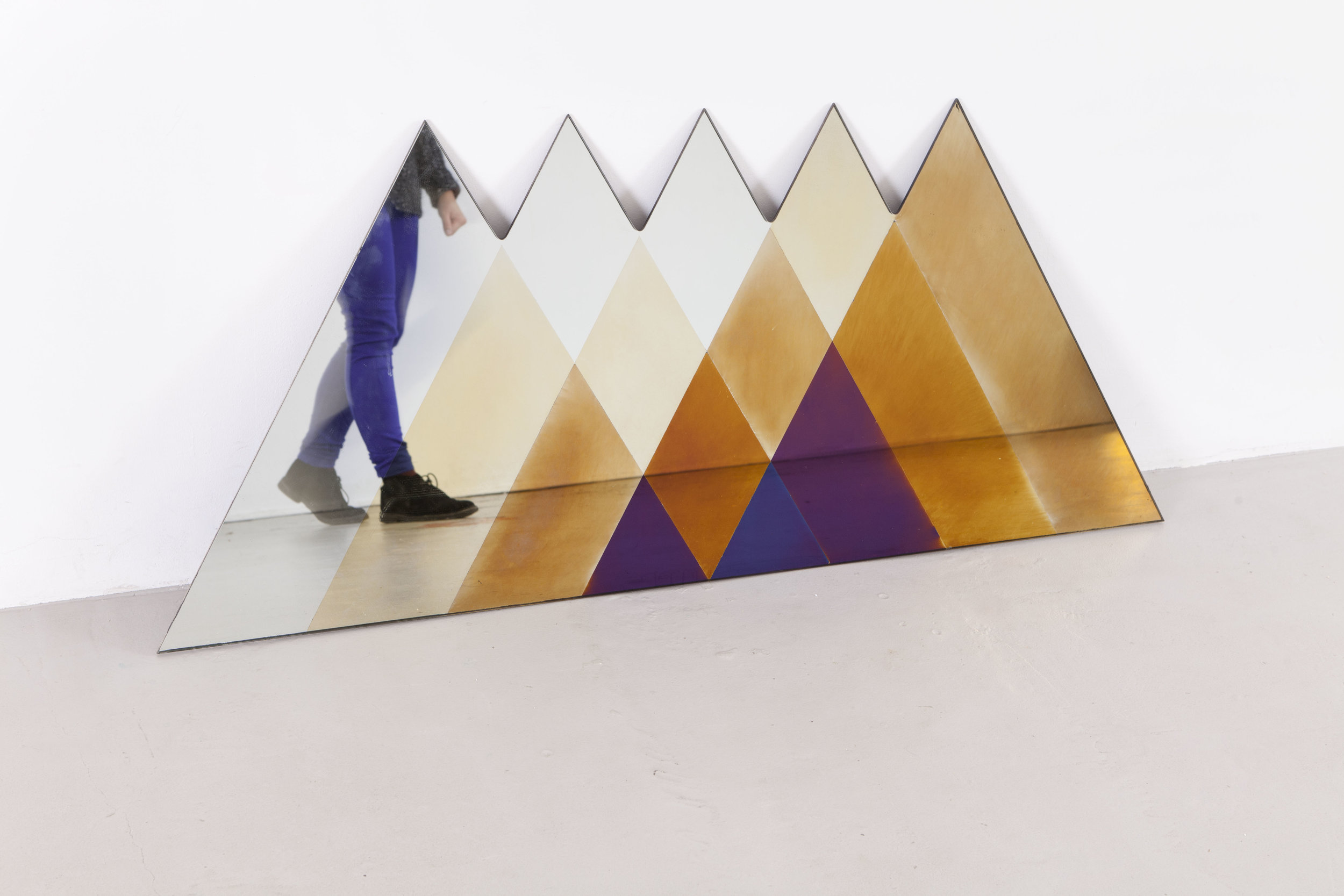 transnatural_Transience_mirror_triangle+feet_byfloorknaapen_23.jpg