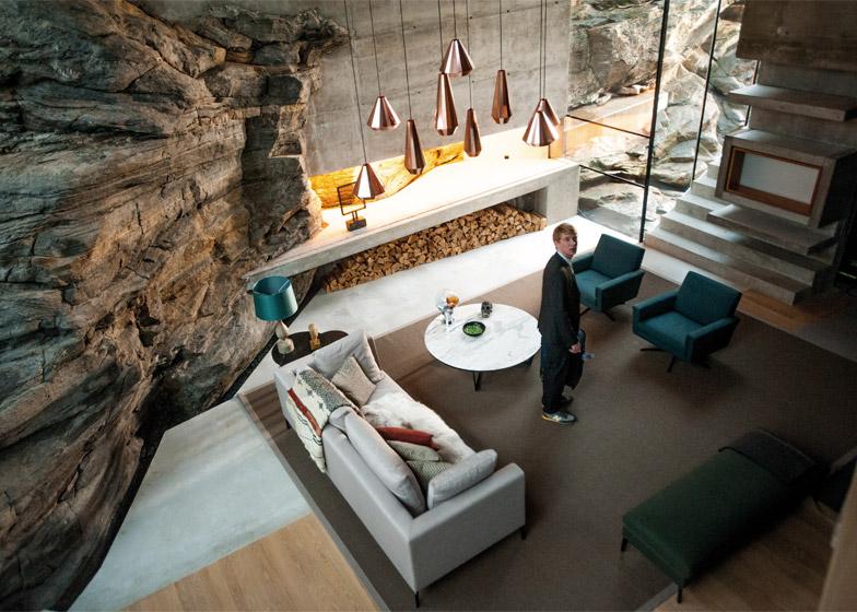 Hotel_Jensen-Skodvin-Architects_Ex-Machina-set_dezeen_784_1.jpg