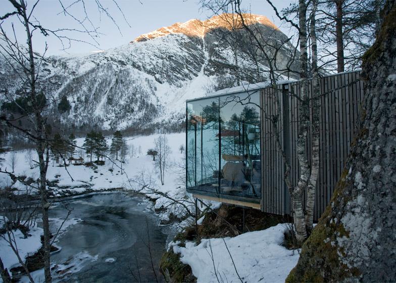 Juvet-Landscape-Hotel_Jensen-Skodvin-Architects_Ex-Machina-set_dezeen_784_3.jpg