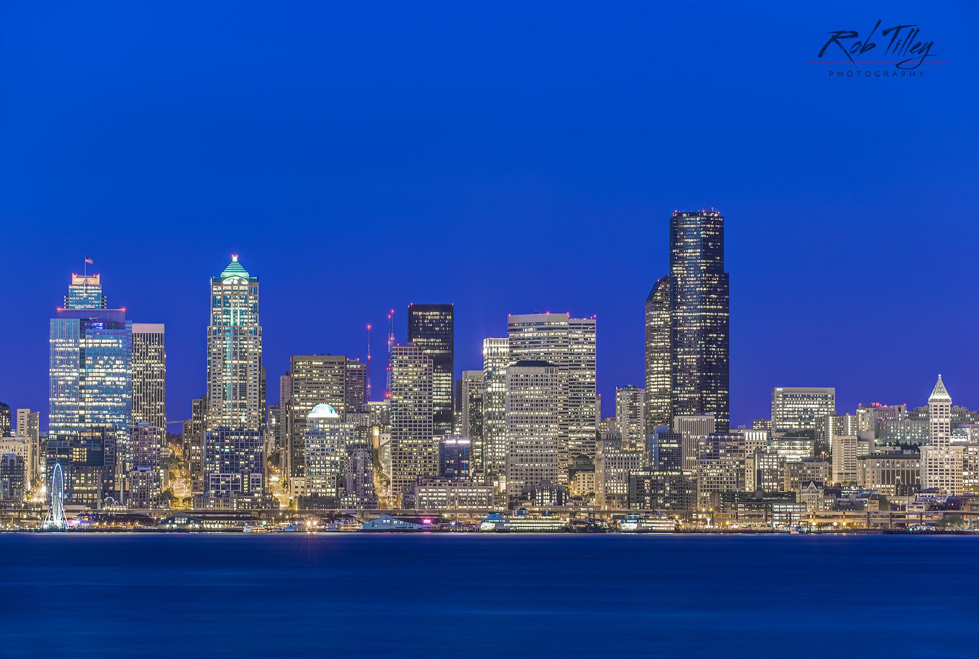 Twilight Seattle Skyline.jpg