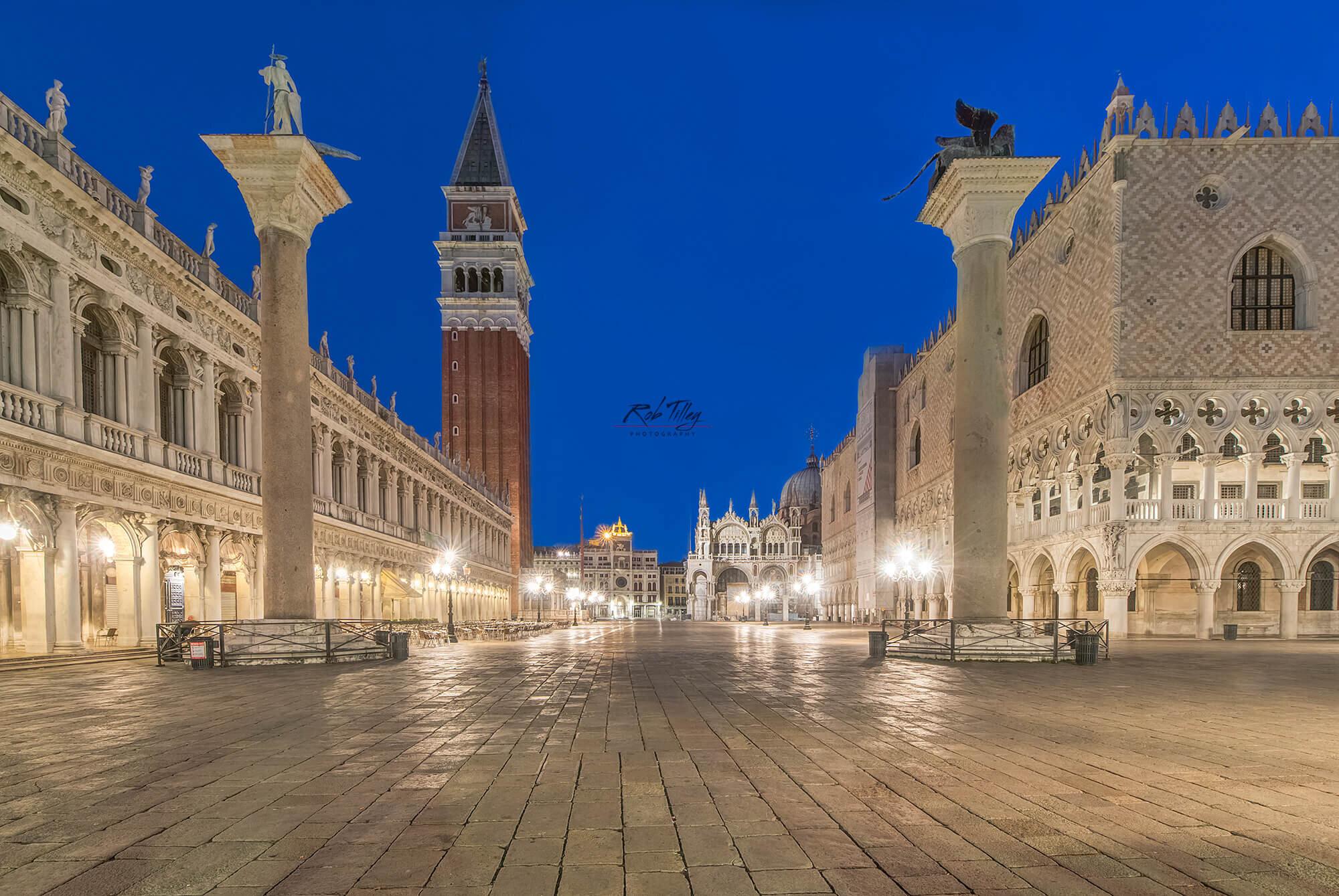 San Marco Piazza Dawn.jpg