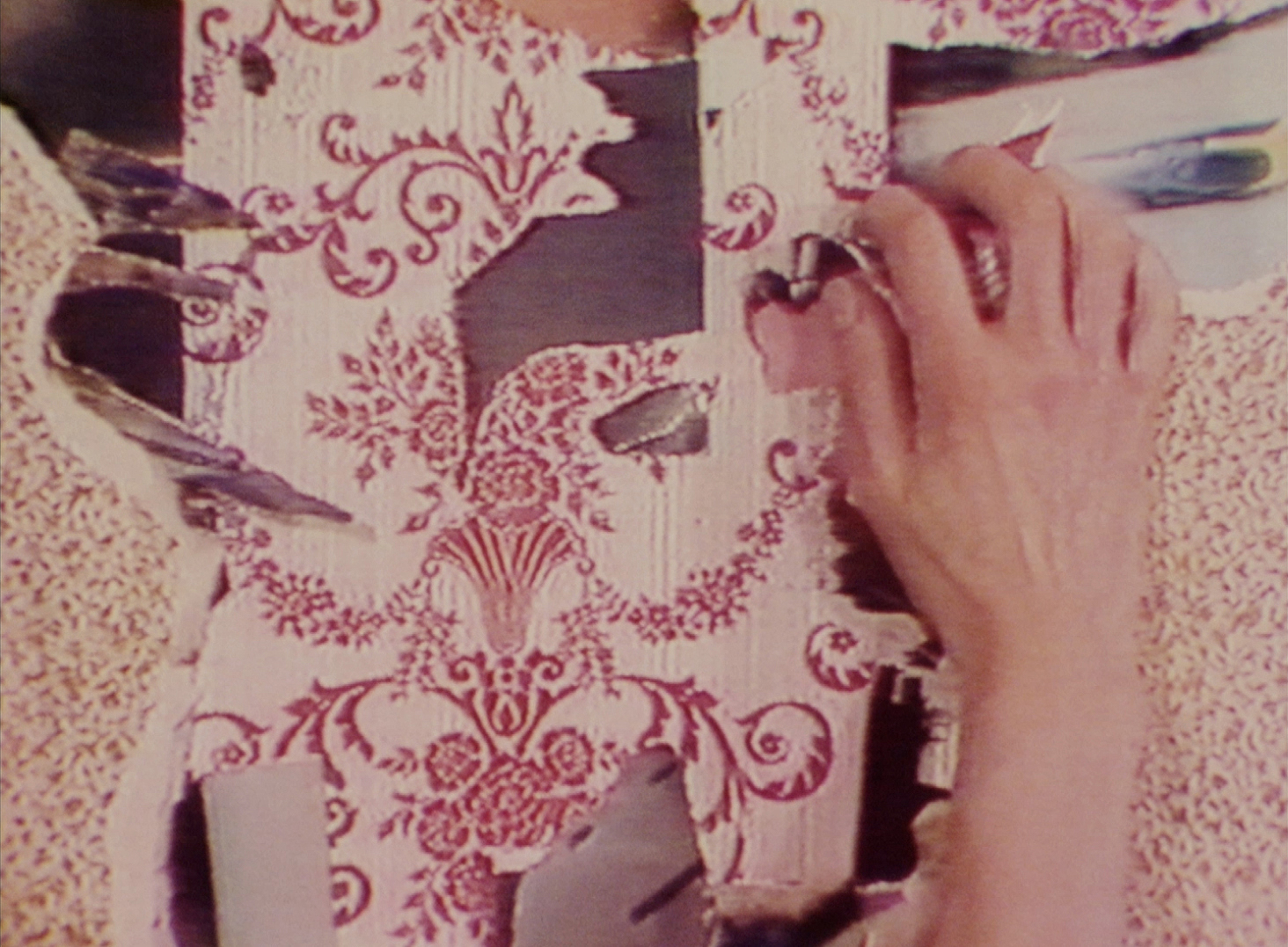 TINA KEANE, Faded Wallpaper 1988, 16mm film/U-matic tape transferred to digital, colour, sound, 20 minutes. Edition of 7 (+1 x A/P) 2017 published by England & Co with the artist 2017