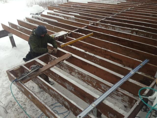 winter deck construction.jpg
