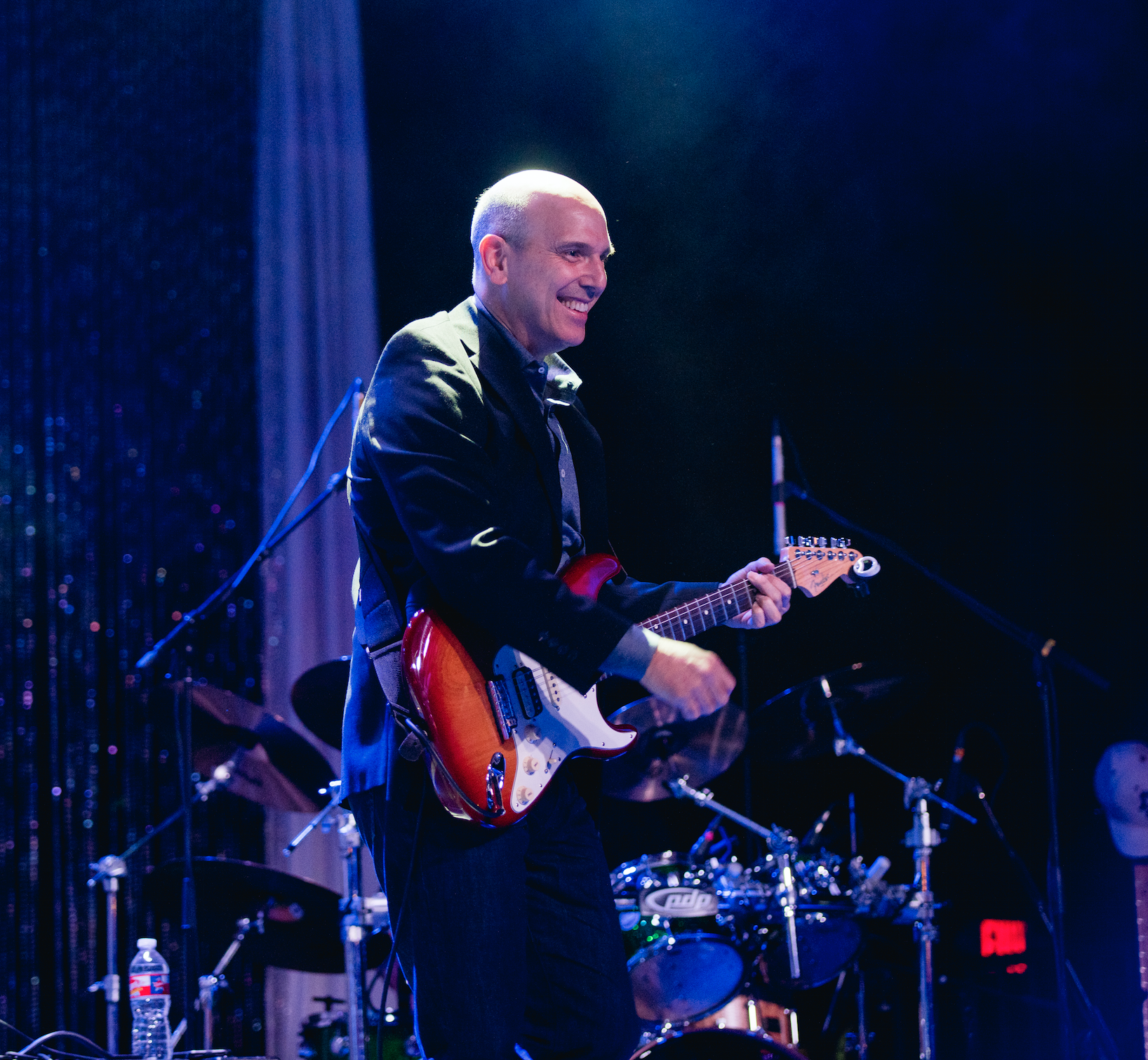 Guitar  Ian Davis