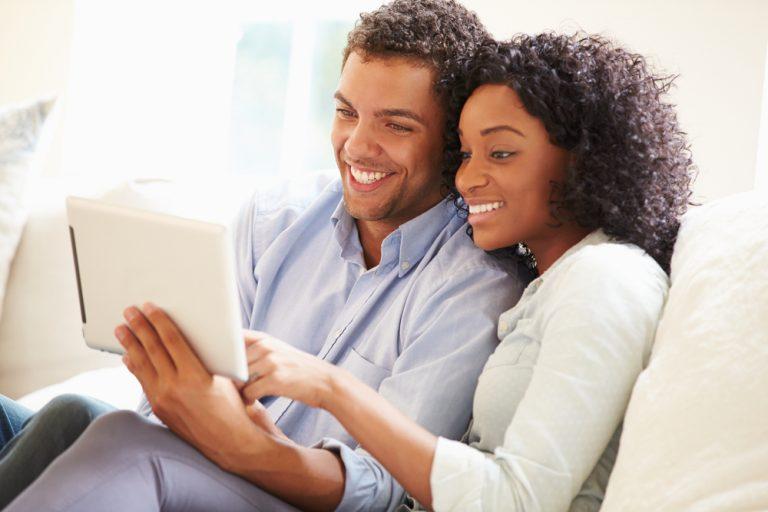 couplesmiling30-768x512.jpg