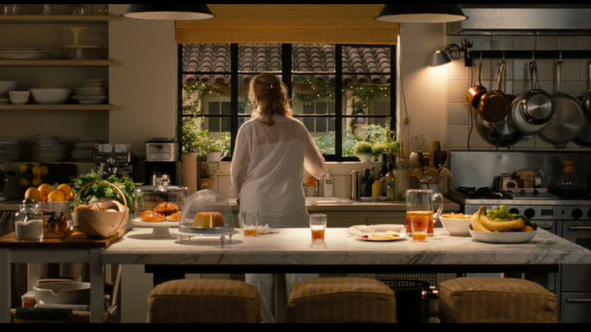 Meryl-Streep-cooking-in-the-Its-Complicated-house-kitchen.jpg