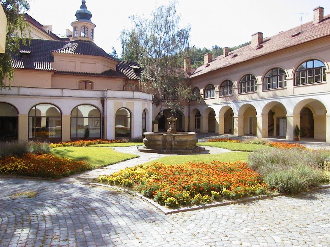 L'Istituto Italiano di Cultura a Praga (immagine da iicpraga.esteri.it)