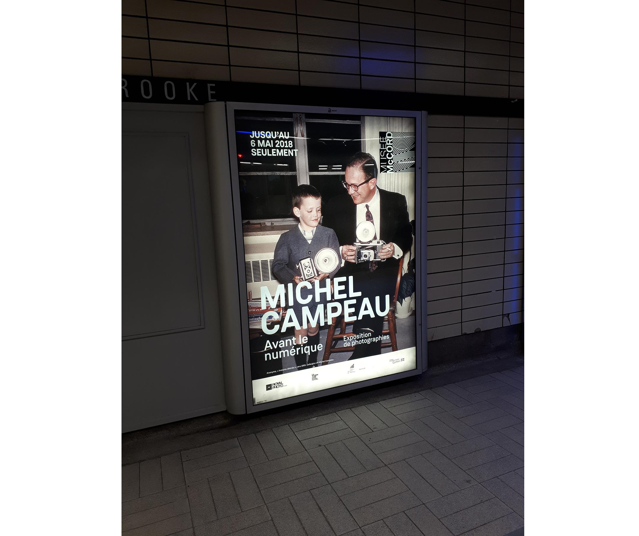 Affiche dans le métro de Montréal