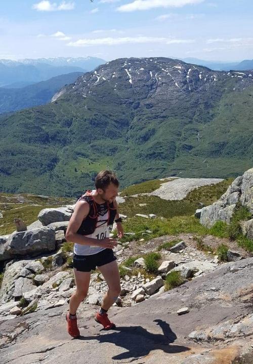 Verdsmeister Stian Angermund-Vik på veg under rekordløpet i 2018