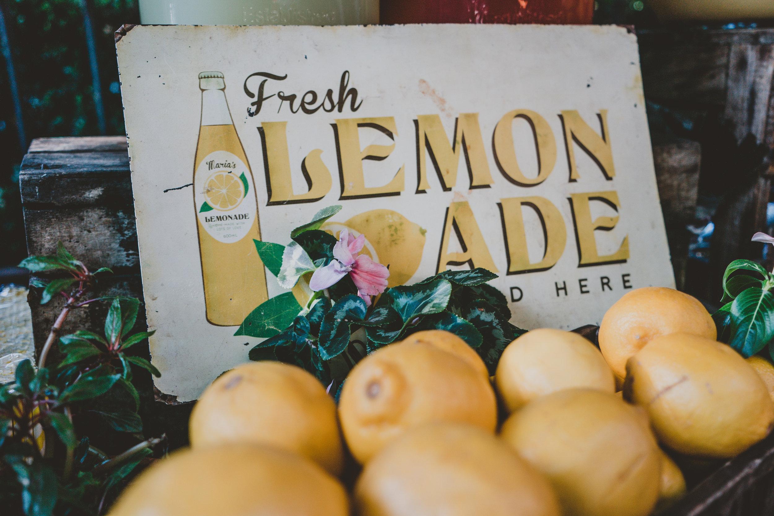 COMBS CONFECTIONS - Lemon Shakeups