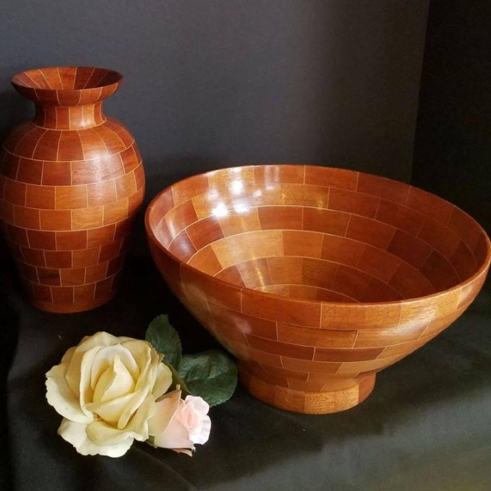Byerley Studios - Wood bowls and Vessels turned on a lathes and small wood boxes