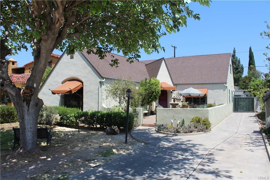 2117 N Ross St, Santa Ana   $785,000  SFR | 4 Beds | 3 Baths | 2,779 sqft | 7,250 sqft lot | Built in 1930 | $282.48/sqft