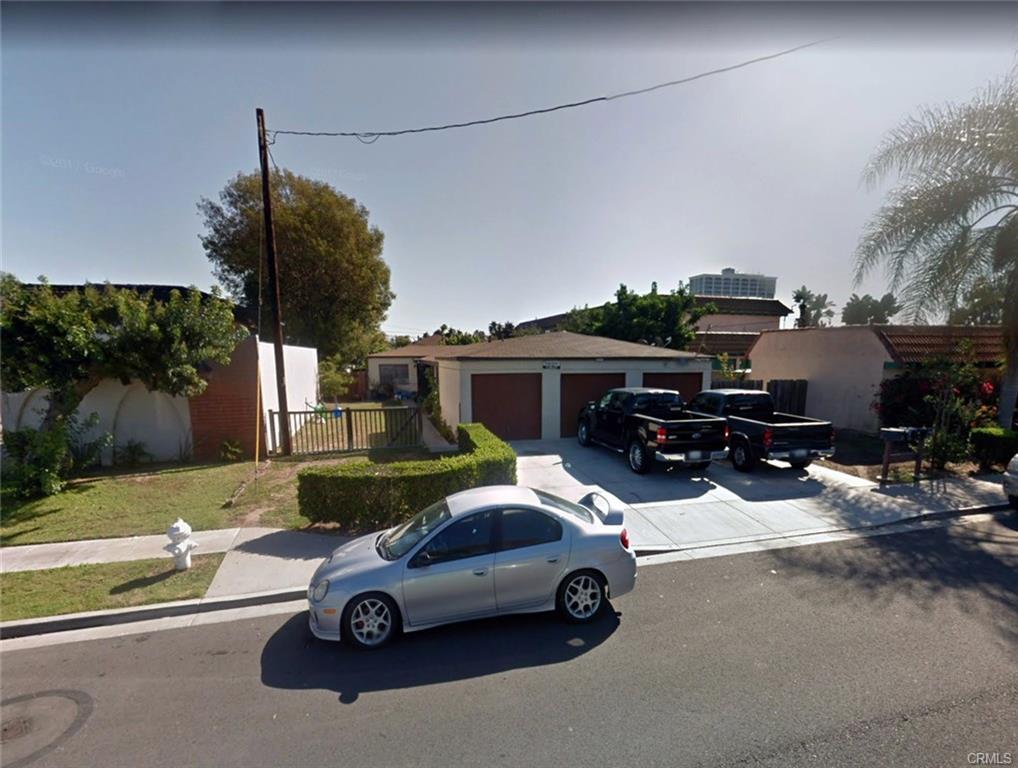 1966 Wallace Ave, Costa Mesa   $1,325,000  4 Units | $343,750/unit | $76,200 GSI | 3,700 SqFt | Built in 1960 | $358.11/sqft