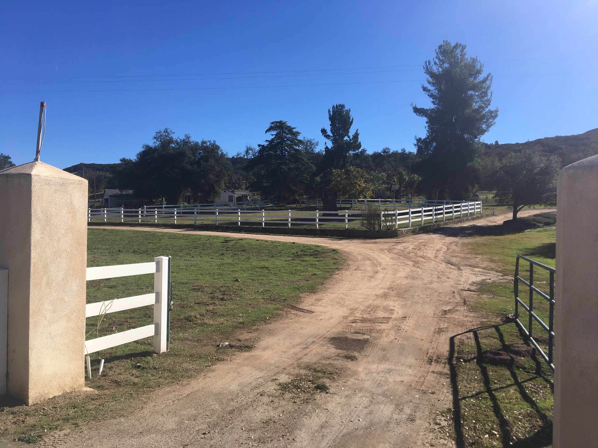 15915 Lawson Valley, Jamul   $1,200,000  2 beds 2 full baths | 1,050 sqft | 21 acre lot | Built in  1958 | SFR