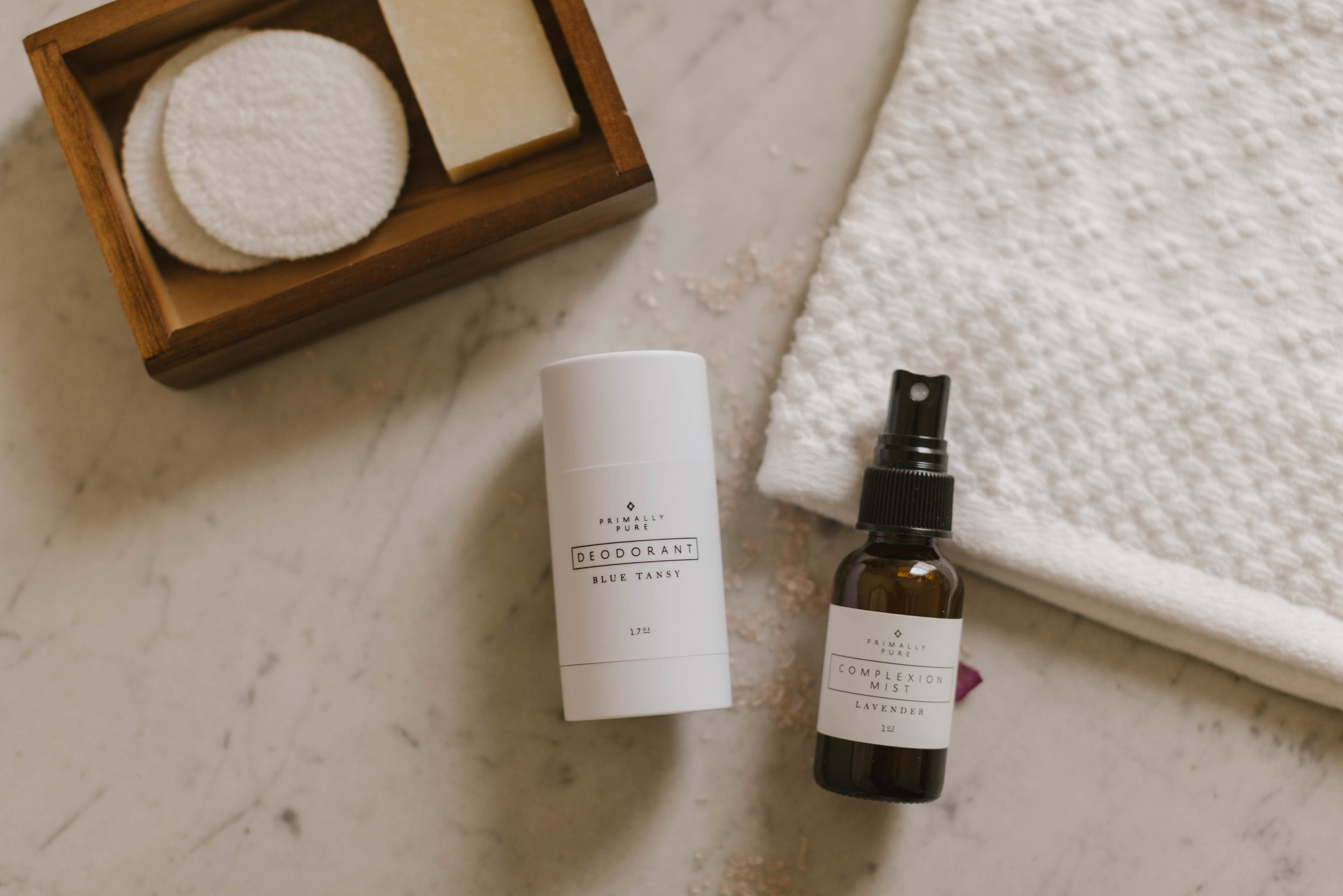 Primally Pure and fell in love! They are one of my absolute favorites when it comes to natural skincare, because their products are wonderful, the ingredients are so clean, and of course they smell incredible. Primally Pure is all about FEWER but BETTER ingredients, and creating products that promote health and wellness.