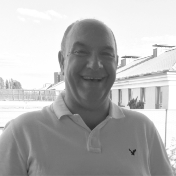 Robert leads the strategic operational delivery, procurement, design and construction functions for igloo. A respected chartered construction manager, Robert has over 30 years' senior managerial experience in UK development, construction, civil engineering, housebuilding and mixed use urban regeneration areas.